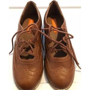 Brand new Rocket Dog laceup oxfords size 8.5 Brown